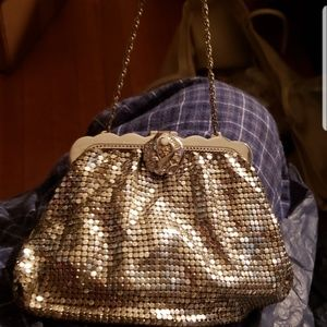 Handbags - Vintage Whiting and Davis purse